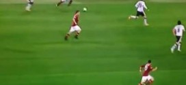 Totti backheel pass