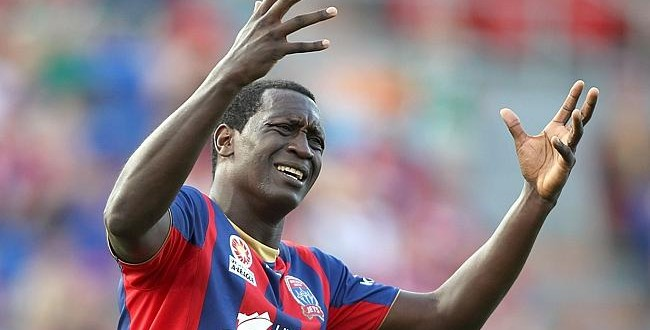 Video: Emile Heskey misses an absolute sitter