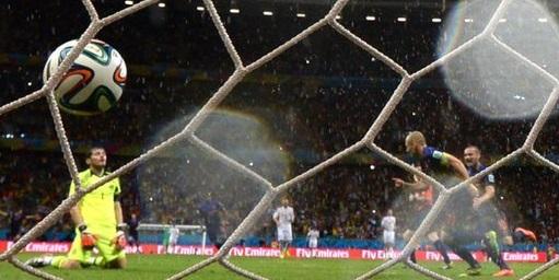 Rampant Netherlands thrash Spain